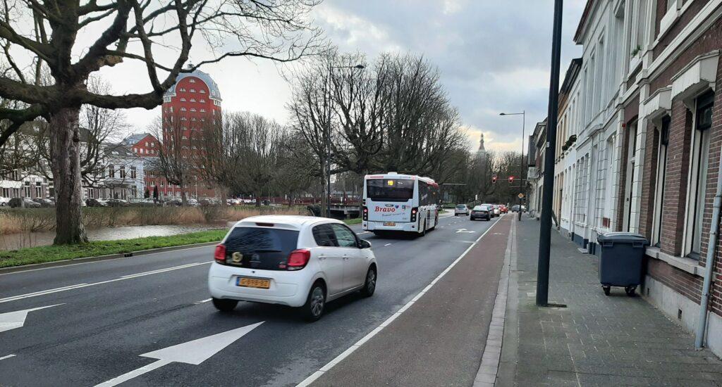Betere doorstroming fietsers en voetgangers op kruispunt in centrum Breda