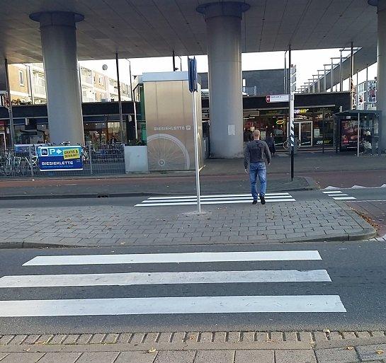 Controle verkeersveiligheid oversteken