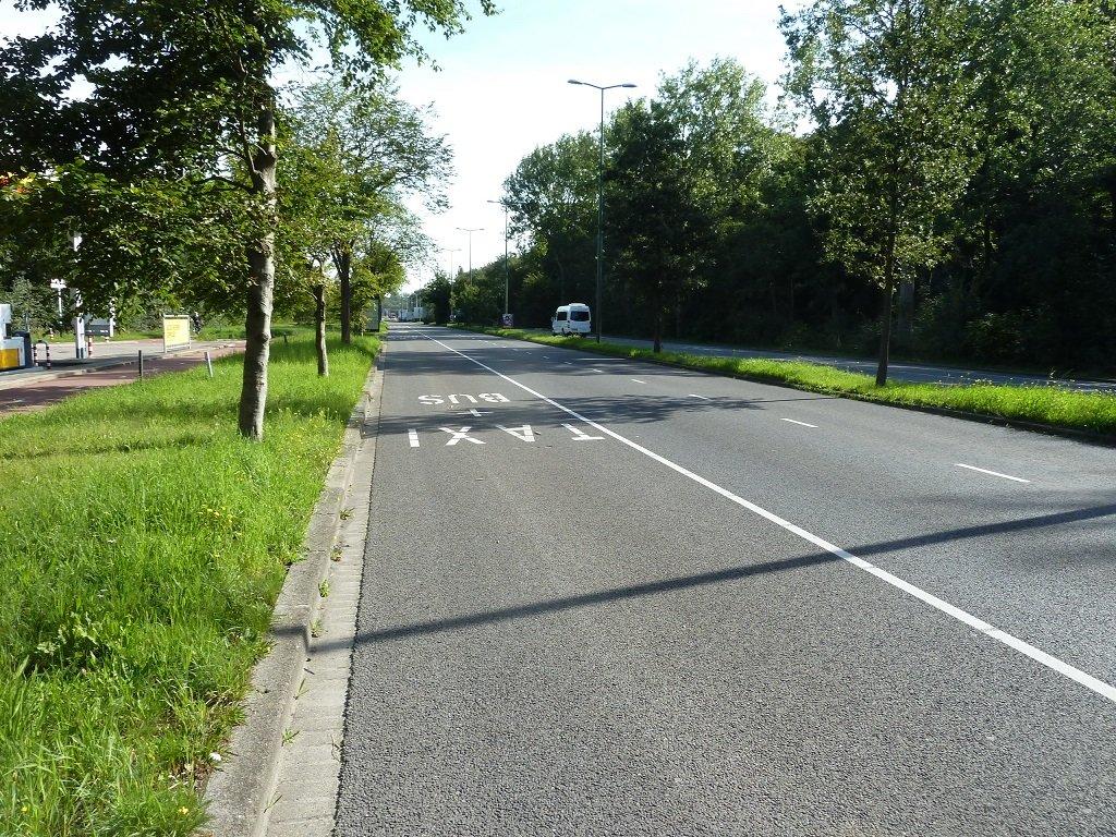 Lege busbaan N44