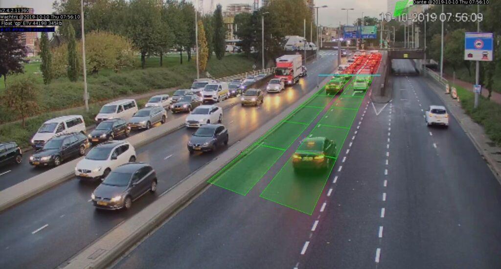 Verkeer stroomt door in Maastunnel door adaptief filemanagementsysteem